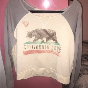 NWOT billabong cropped sweatshirt